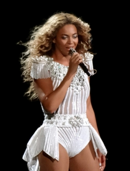 23 July 2013 - Beyonce performing in Montreal